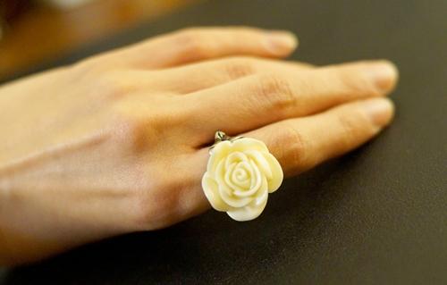 ใส่แหวนนิ้วไหนดี ให้มีโชคลาภชีวิตเฮงๆ