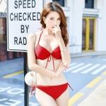 ชุดว่ายน้ำบิกินี่ทูพีช กางเกงผูกข้างสีแดง