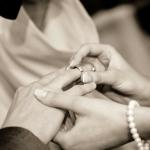 วิธีการเลือกแหวนหมั้นแบบไหนที่ใช่สำหรับคุณ