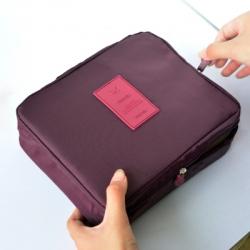 กระเป๋าเครื่องสำอางค์สำหรับเดินทาง สีแดงไวน์
